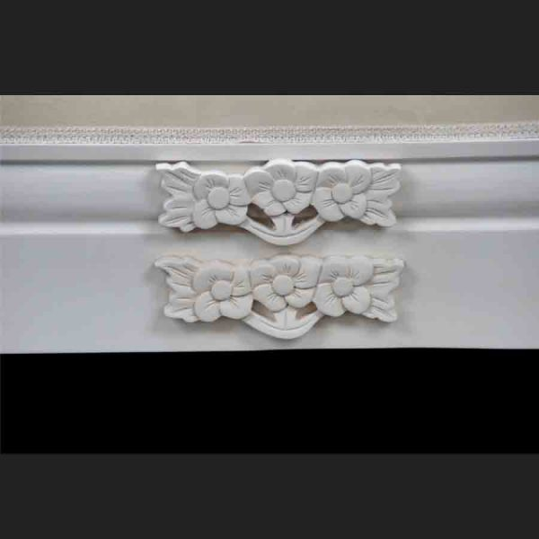 A French Chateau Style Ornate Amberley MEDIUM Chaise Longue in Antique White and ivory fabric6