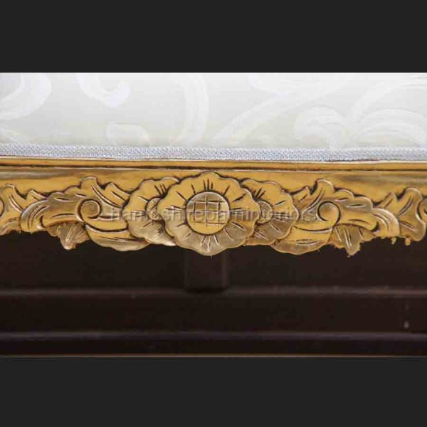 A Gold leaf medium Hampshire chaise in cream or gold fabric4