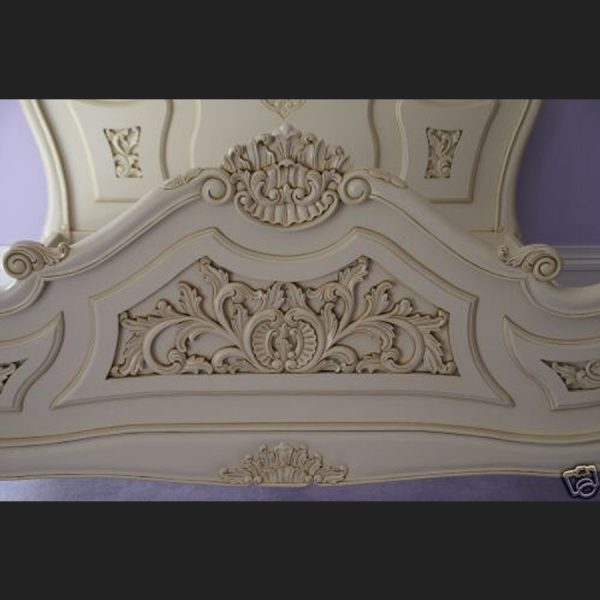 Antoinette Bed in Antique White3