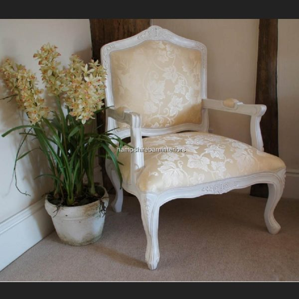 FRENCH LOUIS WHITE PAINTED CHAIR WITH CREAM FABRIC1