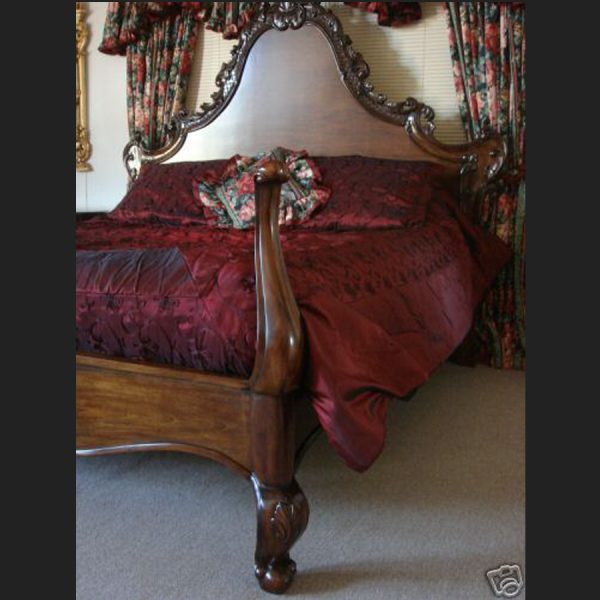 L'amour Bed in Mahogany Finish2