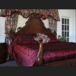 L'amour Bed in Mahogany Finish3