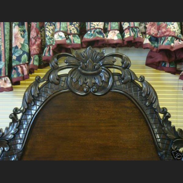 L'amour Bed in Mahogany Finish4