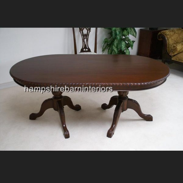 MAHOGANY REPRODUCTION CHIPPENDALE STYLE TABLE AND 6 CHAIRS (1)
