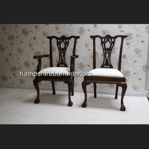 MAHOGANY REPRODUCTION CHIPPENDALE STYLE TABLE AND 6 CHAIRS (3)