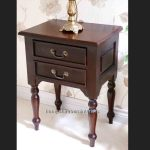 MAHOGANY SIDE LAMP TABLE 1