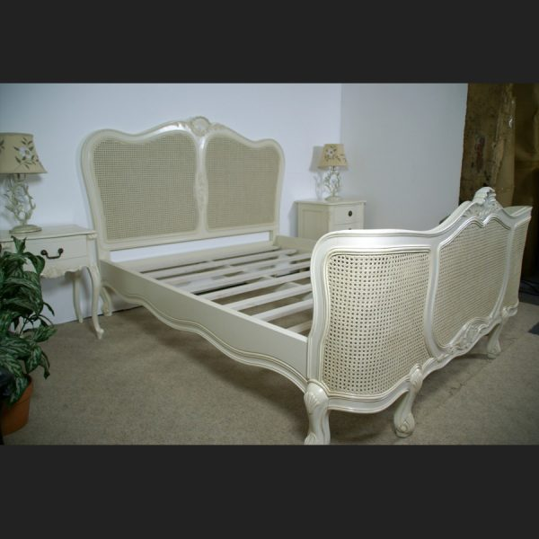 Regency Rattan Bed in Antique White3