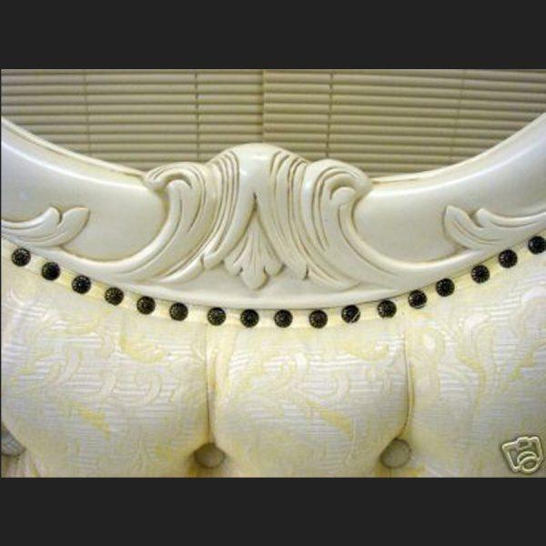The Parisian Chaise Longue Antique in Antique White2