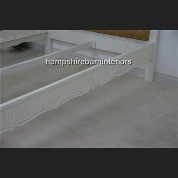 Victoriana Bed Upholstered in Antique White with Gold6