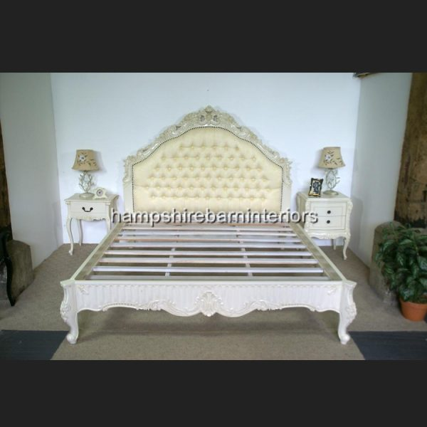 Victoriana Bed Upholstered in Cream with antiqued Cream frame1