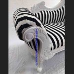 1-beautiful-chaise-medium-hampshire-style-with-black-and-white-stripe-and-white-frame3