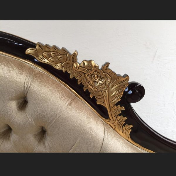 a-a-beautiful-gold-mahogany-hampshire-chaise-with-a-creamy-beige-patterned-velvet-fabric3